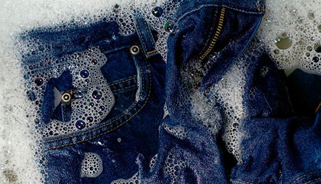 Parem de lavar seus jeans, diz CEO da Levis