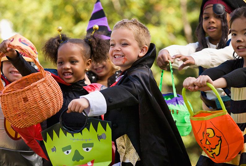 criancas-halloween-americano