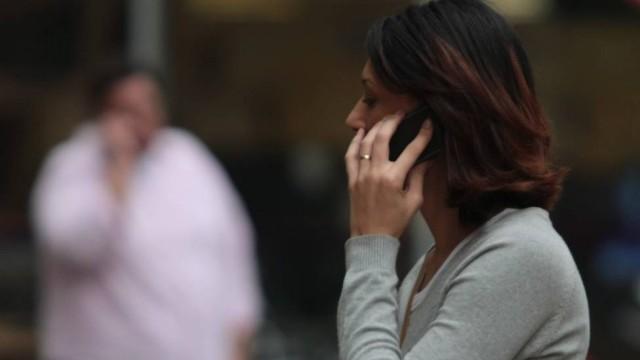 Operadoras lançam planos com tarifas iguais para celulares